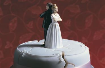 Avioparia uhkaa ero.