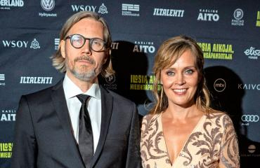 Tiina Lymi ja Tuomas Kantelinen viihtyivät Espanjassa.