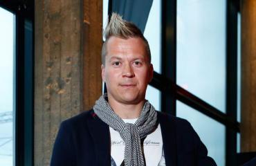 Petteri Nummelin nauratti kiekkokatsomossa.