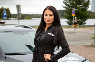 Kati Korhonen on Suomen seksikkäin taksikuski.