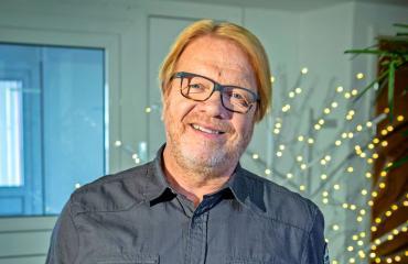 Heikki Silvennoinen yhdistettiin näyttelijäkaunottareen.