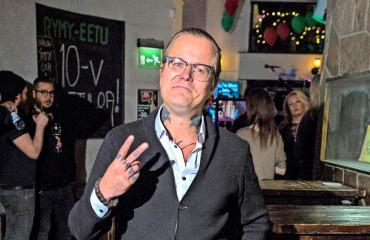 Wallu Valpio pakoili ex-missiä.