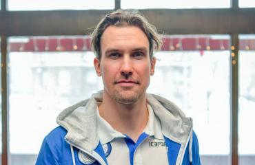 Sami Lepistö ulkoili perheensä kanssa.
