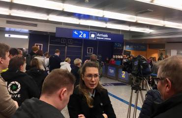 Leijonia odotetaan Helsinki-Vantaan lentoasemalla.