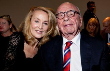 Jerry Hall ja Rupert Murdoch kuhertelivat rantalomalla.