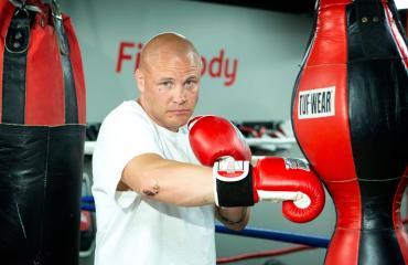 Juho Tolppola perusti nyrkkeilytallin.