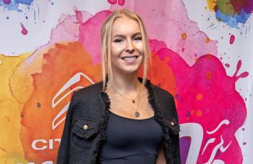 Alina Voronkovan Joonas-rakas ei pääse Suomeen.
