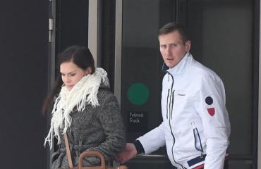 Saija-Reetta Kotirinta oli Janne-rakkaansa mukana oikeudessa.
