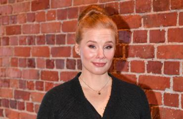Maria Järvenhelmi harkitsee Tinderiä.