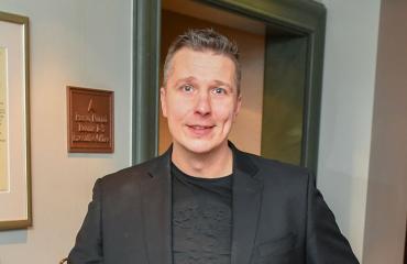 Janne Tulkki teki kappaleen Sirpa Selänteestä.