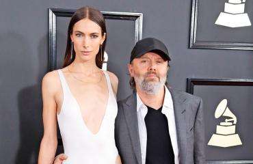 Lars on naimisissa yhdysvaltalaisen huippumallin Jessica Millerin kanssa.
