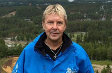 Matti Nykänen haudataan isänsä viereen.