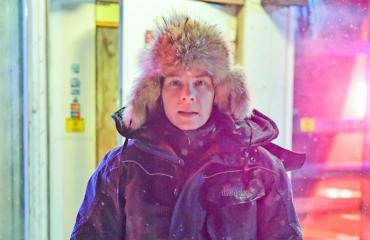 Armi Toivanen näyttelee Kaamos-sarjassa.