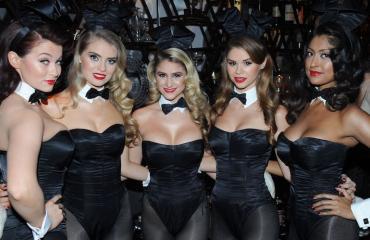 Playboy-pupuista ei ollut tarjoilijoiksi.