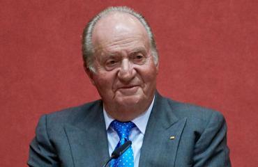 Juan Carlos näyttäytyi silmä mustana.