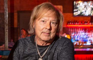 Danny tulkitsi Elvistä Las Vegasissa.