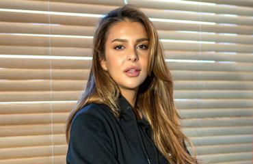 Sara Chafak matkustelee ympäri maailmaa.
