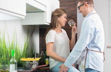 Tohtorin vinkki: Harrastakaa seksiä keittiössä!