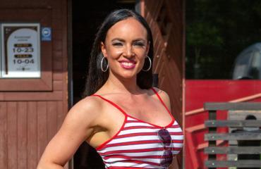 Tanja Sundell on Turun kuumin tarjoilija.