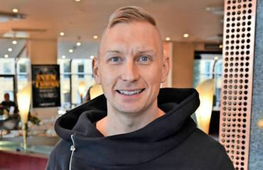 Marko Vainio pohtii maailmanvalloitusta.