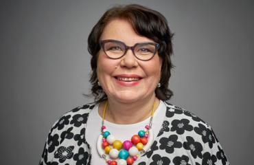 Merja Ylä-Anttila asuu paritalon puolikkaassa.