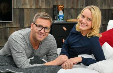 Jani Sievinen ja Maria-rakas avioituvat Levillä.