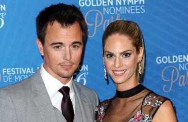 Darin Brooksin ja Kelly Krugerin suhde alkoi kolmiodraamasta.