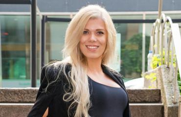 Eveliina Tikka yhdistettiin Tuomas Enbuskeen.