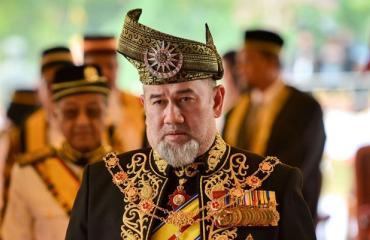 Malesian ex-kuningas hylkäsi poikansa.