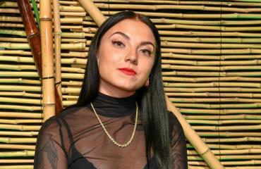 Veronica Verho pakeni eroaan.