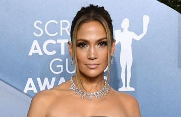 Jennifer Lopez rannalla