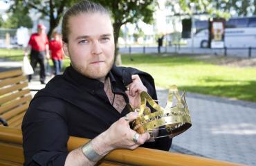 Tuore tangokuningas Teemu Roivainen: Exäni on loistava laulaja!
