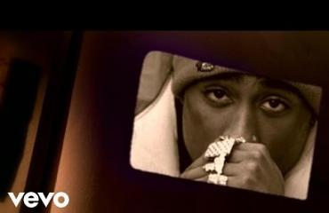 Rap-faneille herkkua: 2Pac Shakurin hitin käsinkirjoitetut lyriikat myynnissä!