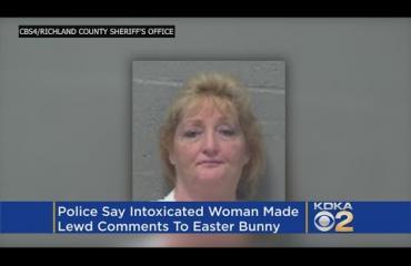 Nainen yritti iskeä pääsiäispupun - päätyi putkaan!