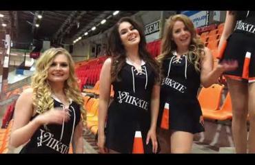 Tässä ovat koko Liigan kohutuimmat cheerleaderit: muodokkailta kaunottarilta suoraa puhetta - kuvat ja video!