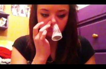 Kondomihaaste on teinien uusin tyhmä villitys! Katso video!