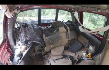 Kääk, purkanhimoinen karhu romutti auton - katso video!