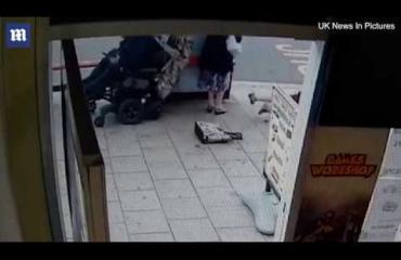 Erikoinen pahoinpitelyjuttu oikeudessa: Liikuntarajoitteinen mies ajoi eläkeläisiä kumoon sähköpyörätuolillaan - katso video!