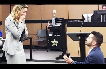 Romanttista vai kahjoa? Syyttäjä valmisteli pitkään valeoikeudenkäyntiä - kosiakseen asianajajaa!