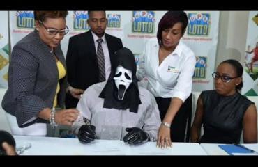 Onni potkaisi: Scream-leffoista tuttu Ghostface voitti lotossa!