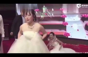 """Ennätyksellisen härski """"wedding crash"""" Kiinassa! Exä tuli paikalle morsiameksi pukeutuneena!"""