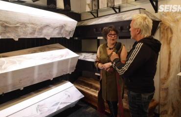 Hautaustoimistosta tuli suosittu pikaruokala! Näin Hannan ja Petrin turistinähtävyydeksi kohonnut firma sai alkunsa