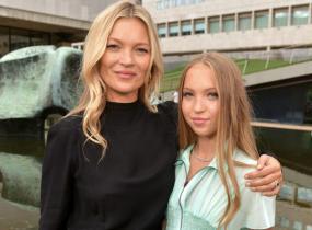 Kate Mossin, 45, 17-vuotias tytär Lila Grace Moss Hack on perinyt äitinsä persoonalliset piirteet.