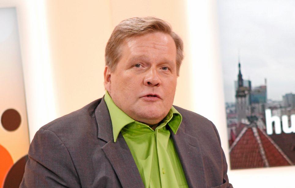 Suosikkijuontaja Lauri Karhuvaara palautti kasan pulloja - kuva!